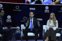 La única solución para detener el sufrimiento en Venezuela es la salida de Maduro del poder, aseguran diplomáticos venezolanos