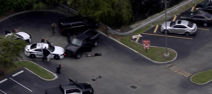 3 personas fueron detenidas tras una persecución a alta velocidad en el condado de Broward