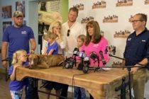 Perro milagroso encuentra un hogar en el sur de la Florida después del huracán Dorian