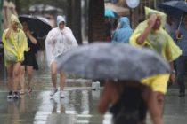 CNH se mantiene alerta ante onda tropical que podría desarrollarse al acercarse a Florida