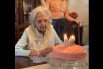 Descubre el macabro deseo de cumpleaños que pide abuela en su cumpleaños 94 (Video)