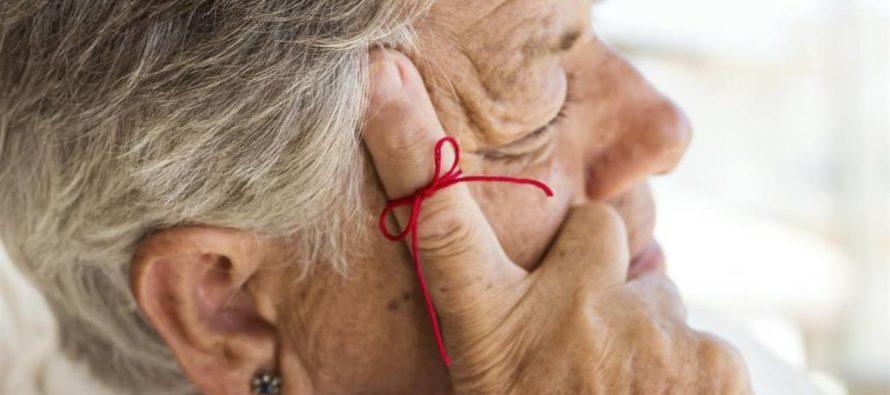 Nueva prueba de sangre detecta alzhéimer 20 años antes de presentar síntomas