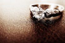 ¡Asombroso! Una mujer se tragó su anillo de compromiso en medio de una pesadilla