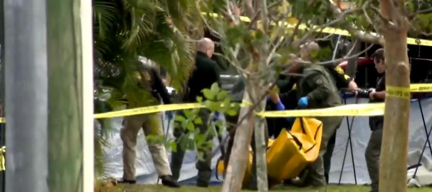 Padre desconcertado tras descubrir que hijo terminó muerto en auto