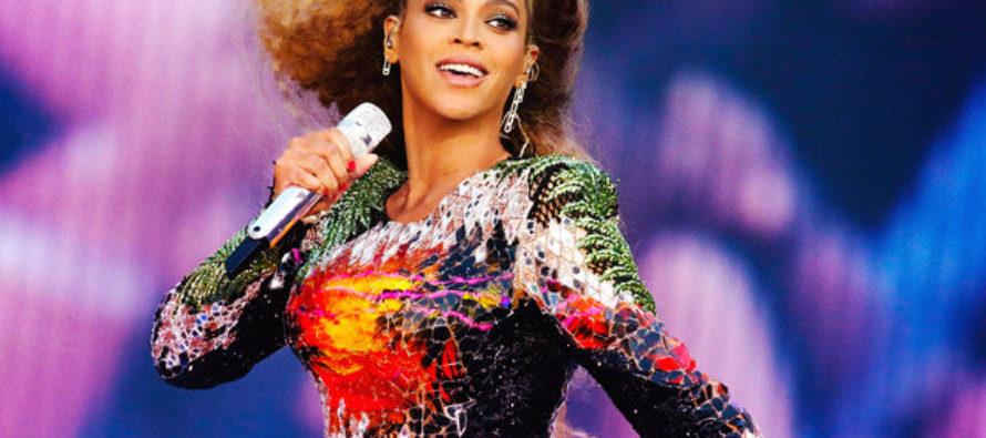 Beyoncé se lució con un atuendo de Christopher Kane (fotos)
