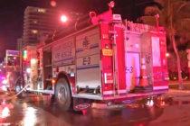 Incendio devoró casa de 1 millón de dólares y estacionamiento de autos de lujos