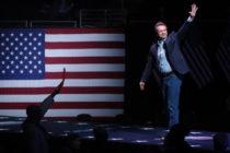 El demócrata Steve Bullock pone fin a su campaña presidencial