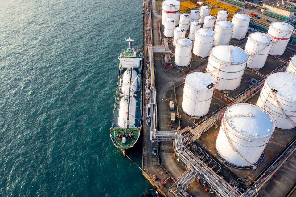 Sanciona Estados Unidos a empresas mexicanas por exportar petróleo de Venezuela