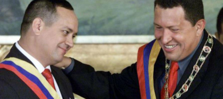 El Mundo: Hugo Chávez ordenó «inundar EEUU de cocaína de las FARC»