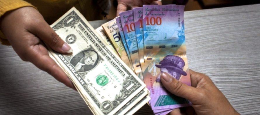 El dólar se disparó en un mes 101% y aceleró el aumento de los precios en Venezuela