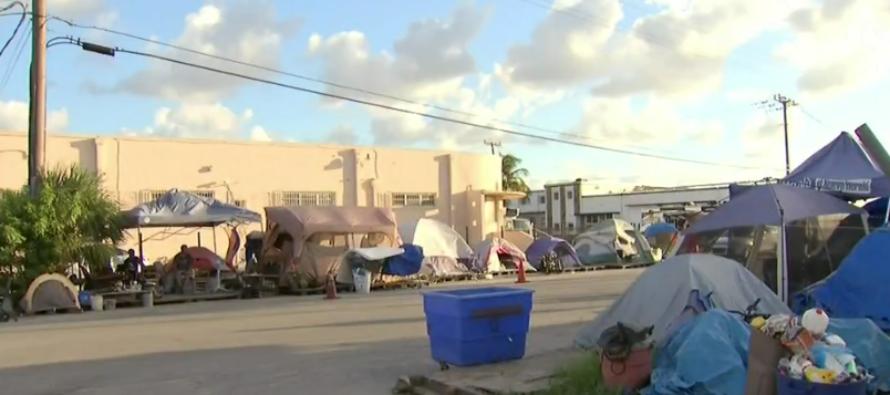 Se agota plazo para desalojo de campamento de agresores sexuales en Miami-Dade