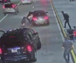 Robaron vehículo con bebé en su interior en Aeropuerto  Internacional Southwest Florida