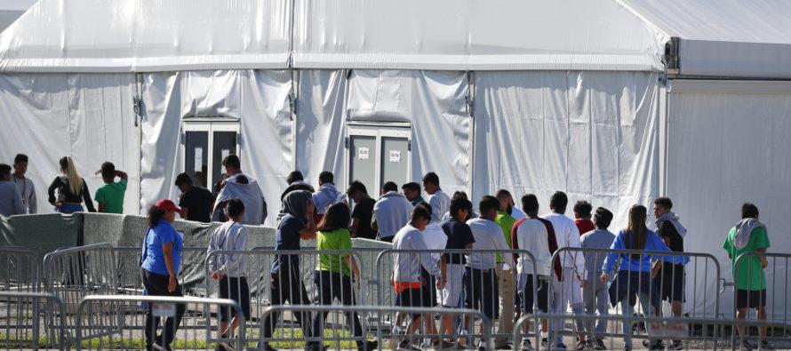 Por quejas de abuso sexual piden cierre del albergue de niños indocumentados en Miami