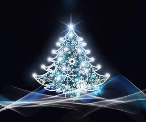 Espíritu de Navidad al extremo: Arrestados dos sujetos en Florida por subirse a un árbol de 35 pies y arrojar adornos