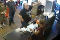 Cliente en Anaheim agredió a trabajadores de restaurante por escribir en español el menú
