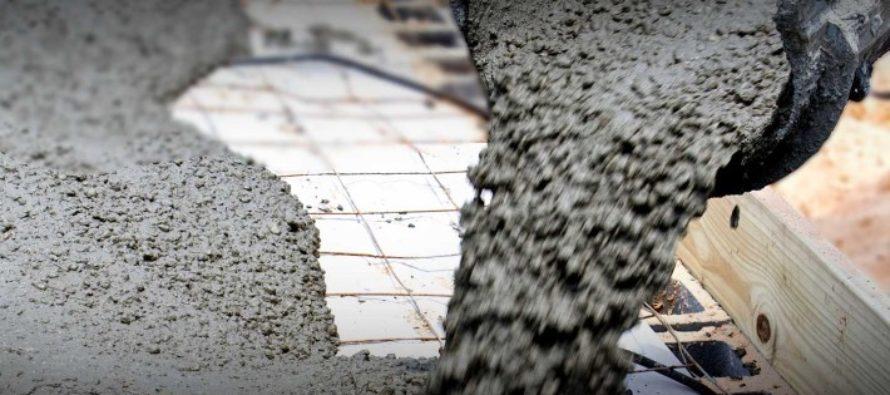 Conductores fueron sorprendidos por la caída de concreto húmedo de un edificio en la Pequeña Habana