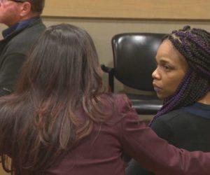 Condenan a un año de prisión a mujer que arrojó agua hirviendo a su jefe
