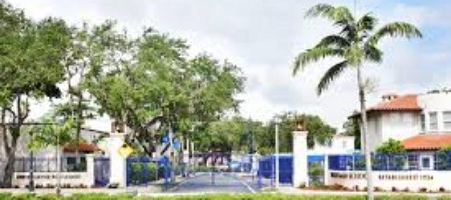 Escuela privada de Miami implementó un sistema de detección de armas para prevenir tiroteos