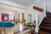 Nieta de Raúl Castro cambió su nombre en Airbnb para alquilar su mansión en Cuba