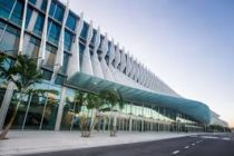 El centro de convenciones de Miami Beach se transforma en una experiencia de Super Bowl