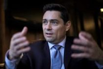 Embajador Carlos Vecchio informó que en un mes podría arrancar nuevo servicio consular para venezolanos en EEUU