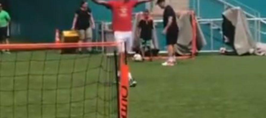 Djokovic se pasó al fútbol en el Hard Rock Stadium de Miami (Video)