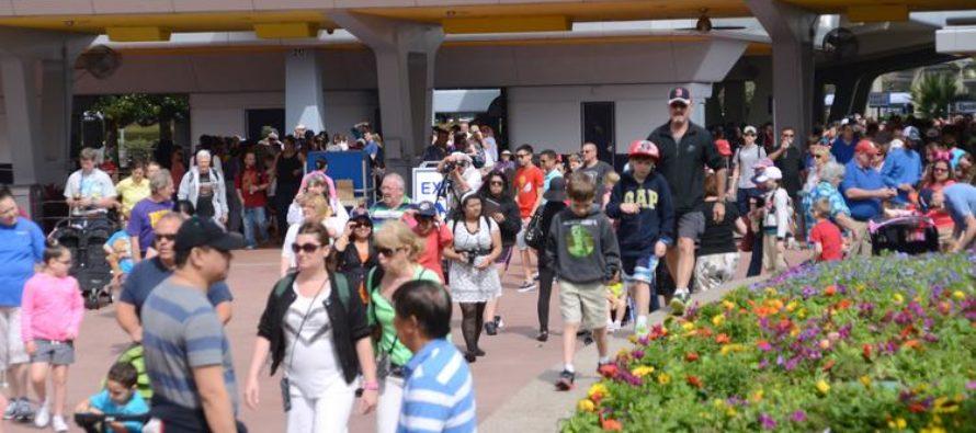 El Gobernador Ron DeSantis anuncia récord de visitas de seis meses en Florida