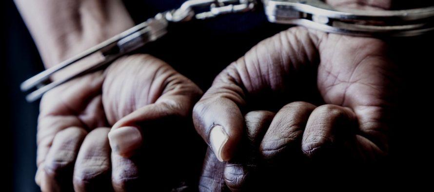 Trasladaron adolescente acusado de intento de asesinato de centro de detención a cárcel de Orange