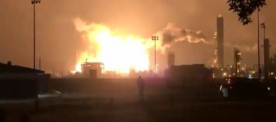Tres heridos en una explosión en una planta química en Texas