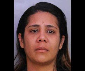 ¡Detenida! En Florida arrestaron a una mujer acusada de golpear hasta la muerte a su hijo de 13 meses