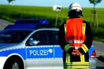 ¡No se cree! Rescatan a mujer que quedó atrapada tras atorar su coche dentro de un camión +FOTO