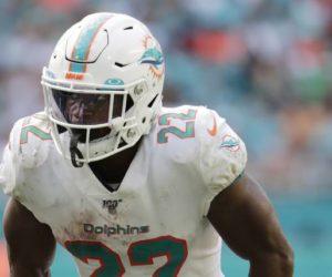 Mark Walton, acusado de golpear a una mujer embarazada, fue liberado por los Miami Dolphins