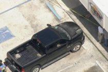 Conductor es arrestado después de impactar su camioneta contra una gasolinera en Fort Lauderdale