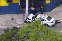 Un oficial de la policía de Miami resultó herido en un accidente de tránsito