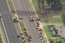 Un avión se estrelló contra una camioneta en la carretera de Florida y dejó dos muertos