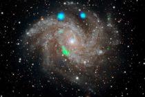 NASA reveló enigmáticas luces en galaxia Fireworks
