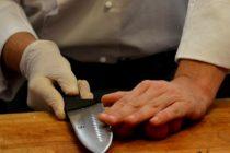 Estudiantes de gastronomía preparan comidas para personas mayores en Kissimmee