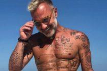 Gianluca Vacchi en vestido, tacones y siendo azotado (VIDEO)