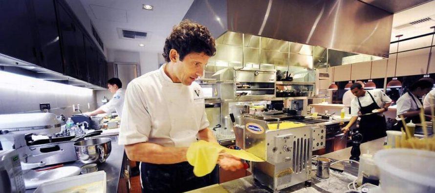 Valentino Cucina Italiana: conoce el romance de un chef con la pasta enrollada a mano