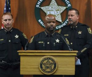 Destituyen a dos agentes más por asesinatos en la escuela Marjory Stoneman Douglas