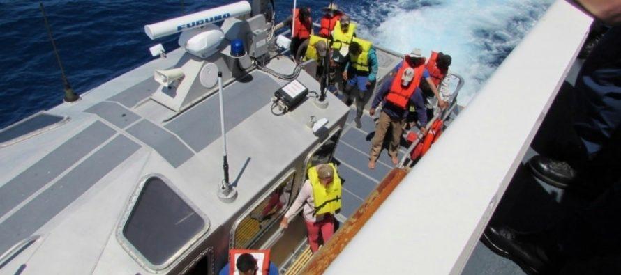 Socorristas de Miami viajan a Las Bahamas para ayudar tras el paso de Dorian
