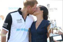 """Markle molesta por no poder usar «Royal»cree que Harry y ella son """"hostigados"""" por Buckingham"""