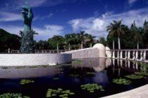 Comunidad judía se reunió en el Holocaust Memorial después del atentado a la sinagoga de San Diego