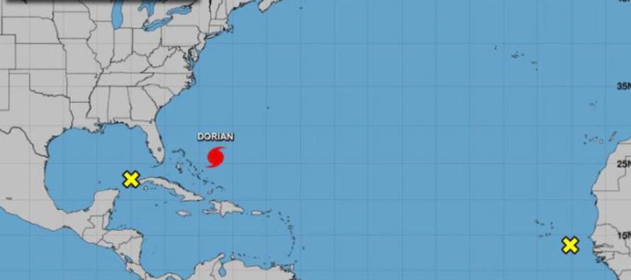Dos nuevos sistemas son vigilados por el Centro Nacional de Huracanes