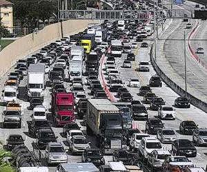Derrame de materiales peligrosos provocó el cierre del tramo de la I-95 en Miami-Dade