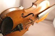 Músico de la película El señor de los anillos perdió su violín en un tren de Londrés