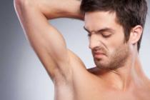 ¡Apestosos! La mitad de los jóvenes no usa desodorante