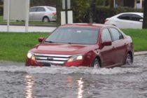 Inundaciones en Broward dañaron casas y motores de los autos del condado