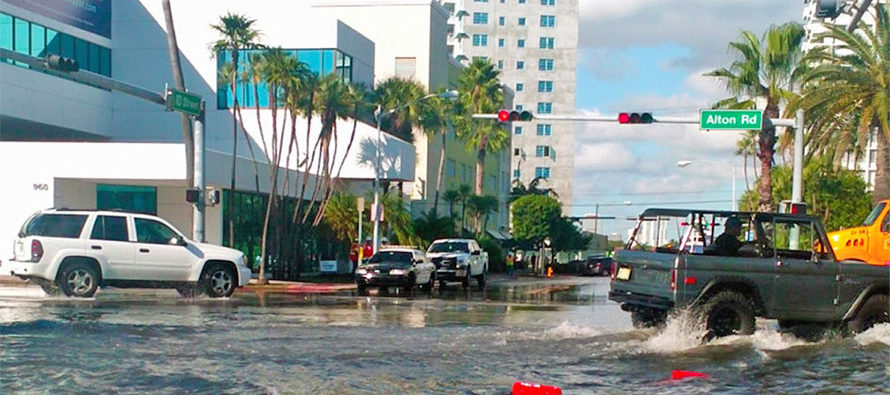 Residentes del sur de Florida se enfrentan al alto costo del cambio climático