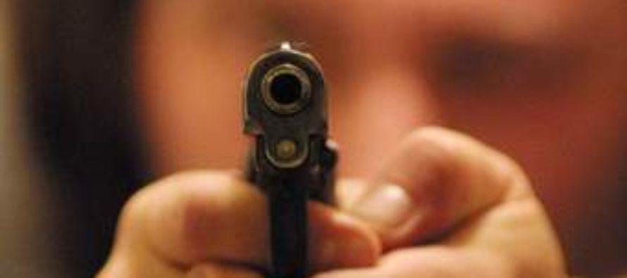 Un pistolero y un oficial murieron tras intercambio de disparos en California: el autor tenía antecedentes penales